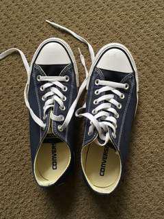Converse size 39