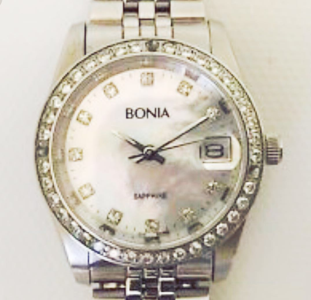 100% authentic bonia with crystal sapphire watch for ladies. In a ... 33509ecf58