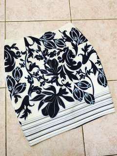 Black and Blue Flower Pencil Skirt