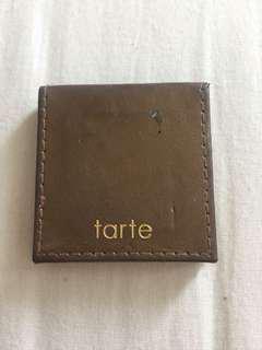 Tarte bronzer in Hotel heiress