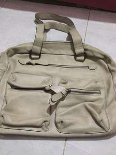 Tas kulit asli warna putih gading