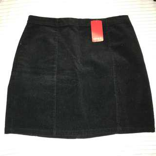 F21 black corduroy skirt