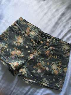 hotpants motif bunga