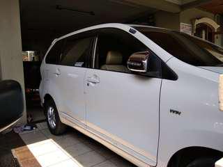 Toyota avanza veloz g at 2013