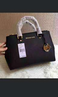 PREORDER 100% Authentic Michael Kors sutton handbag in small/medium size * 5 to 7days after payment is made * pmto order
