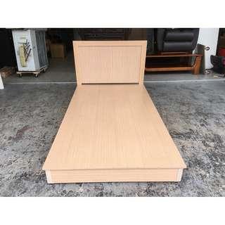 香榭二手家具*白橡色 單人加大3.5x6.2尺床組(六分板)-床頭箱-床箱-床底-床頭櫃-單人床-床架-套房家具-2手貨