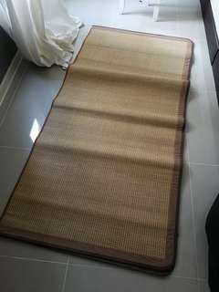 Tikar bambu