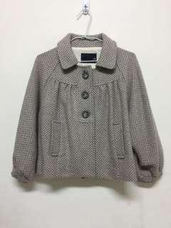 🚚 日本帶回 短版 燈籠袖 復古紋外套