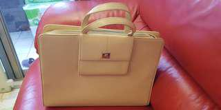 🚚 日本購回 法國courreges 手提包 上班包 肩背包