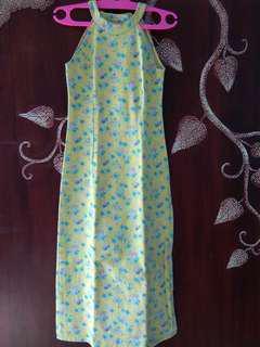 #MauiPhoneX Gaun panjang Kuning motif bunga