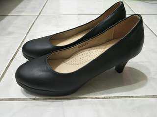 🚚 黑色高跟鞋 鞋全家福