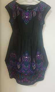 Dress hitam bordir