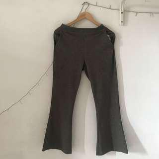 #MauiPhoneX cutbray pants