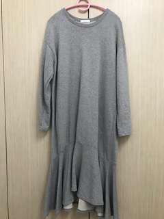 Long ruffled dress, oversized