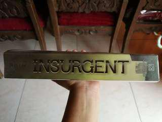 Insurgent (2nd book of Divergent series)