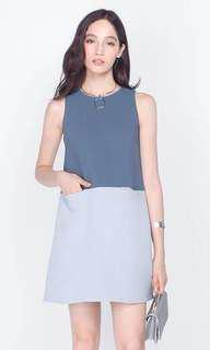 🚚 Fayth Colourblock Shift Dress in blue