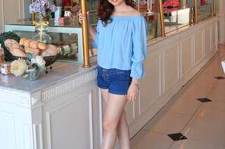 Sabrina soft blue