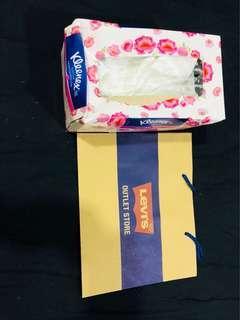 Preloved Paper Bag - Levi's Outlet