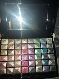 Eye shadow shimmer palette