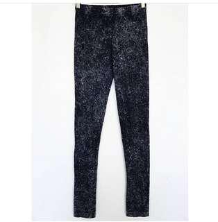 HnM Divided Acid Washed Legging