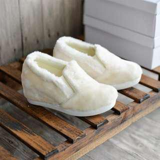 *New* White Color Cute Ladies Fluffy Shoes Fur Shoes