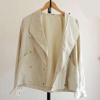 Broken white light jacket
