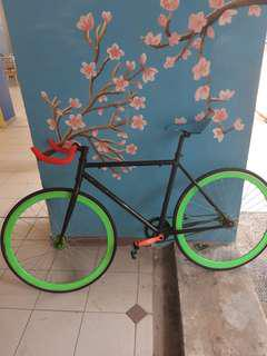 Upgraded fixie (PRICE REDUCED)