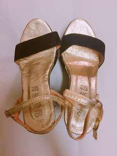 🚚 降價出清👏時尚厚底涼鞋
