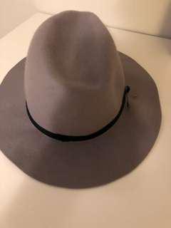 MAISON SCOTCH GREY HAT