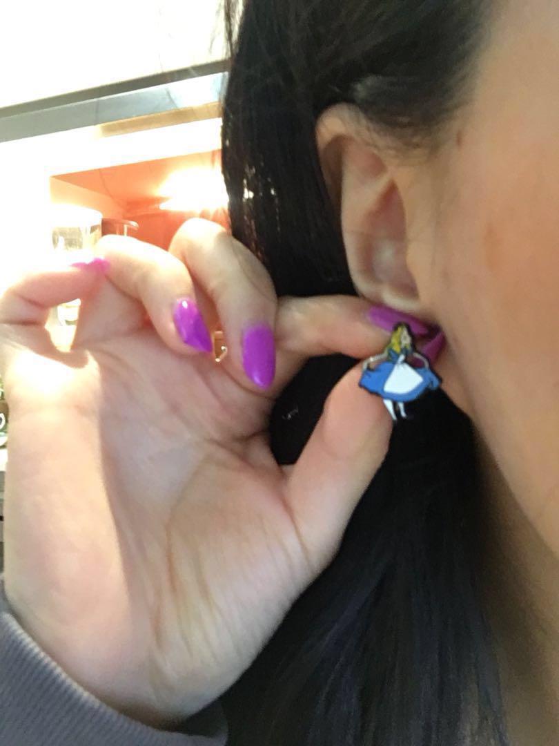 DISNEY Alice in Wonderland Cheshire stud silver earrings