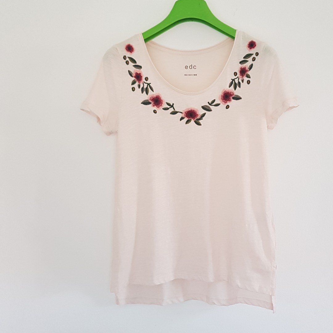 c0842249a NEW without tag Esprit light peach-pink embroidered knit top ...