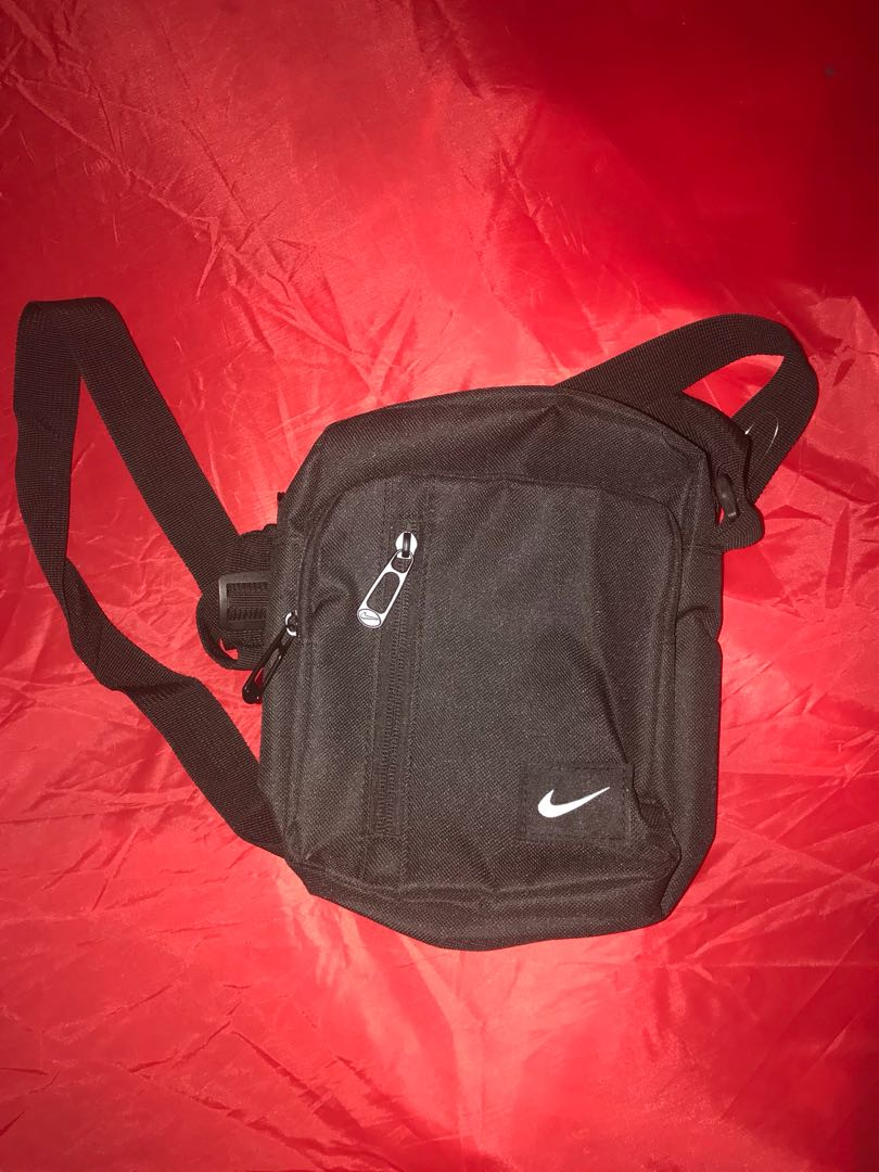 original nike sling bag, Men s Fashion, Bags   Wallets on Carousell 670f236014