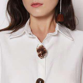 Stone lucite buttons oversized formal shirt collared white linen