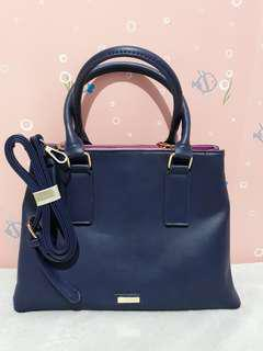 Call it Spring 2-way bag