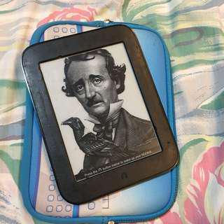 Barnes & Noble Nook Simple Touch ebook reader ereader like kindle