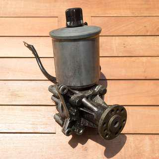 Mercedes W124 260E 300E Power Steering Pump