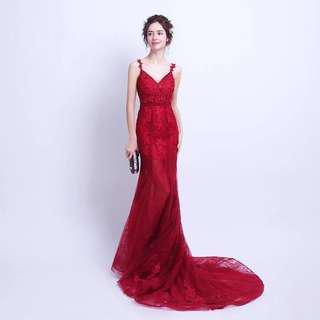 🚚 Red mermaid cut wedding dress