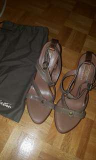 Ugg heels size 7.5