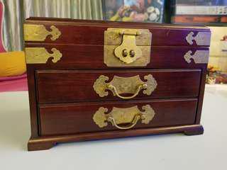 中國傳統首飾箱