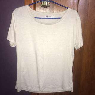 cream tshirt size xl