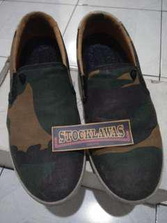 Sepatu machbeth