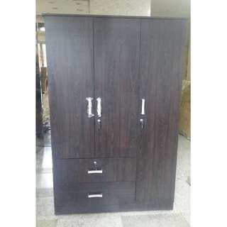 WD-320 3 Door Cabinet