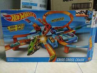 Hot wheels track criss cross crush 4 speed