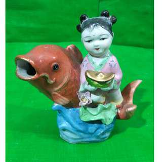 Old sculpture carp doll contribution treasure,  旧鲤鱼娃娃献宝雕