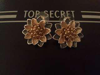 New Japanese flower ear rings
