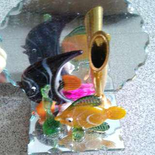 Fishy Display Ornament With Mirror