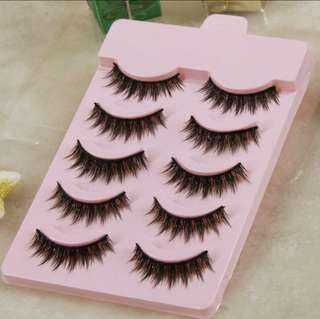 Pairs of 5 Faux Lashes