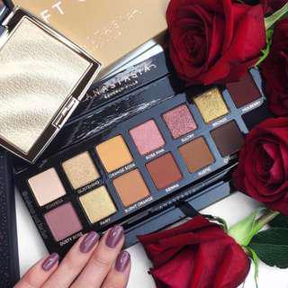 🚚 💄INSTOCK💄 Authentic ABH Soft Glam Palette