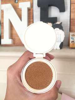 Innisfree Water Glow Cushion W33
