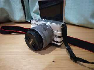 Digital Camera Mirrorless Canon EOS M10 - Used less than one year